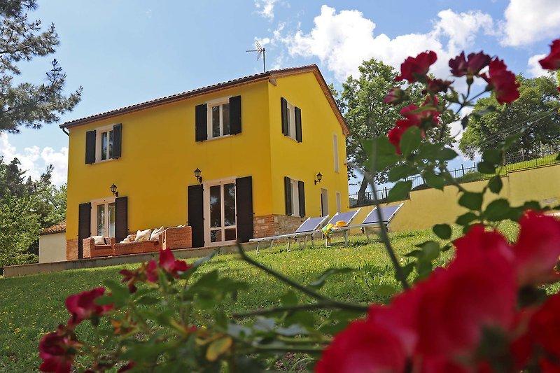 Casa Miriam-Privatvilla mit Garten