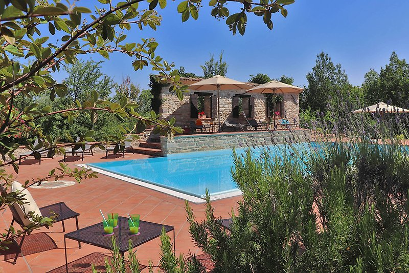 Villa Oriente - Private villa with pool and dependance