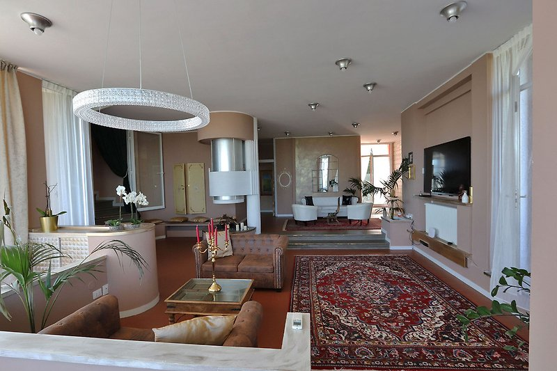 Villa Tiara- Wide living- room with TV and relax zone