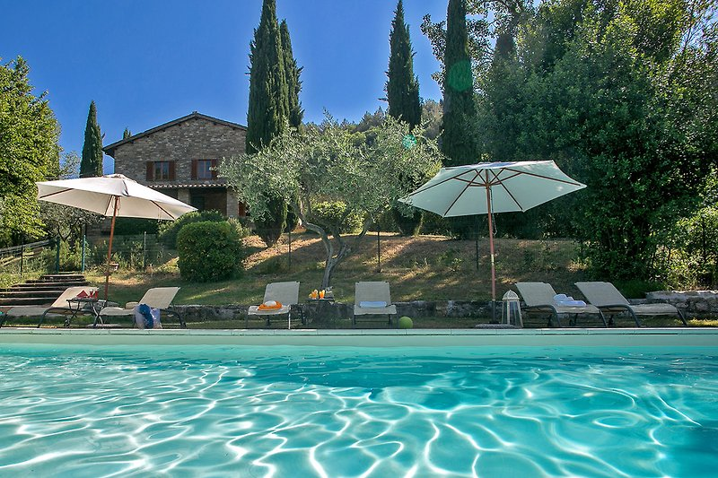 Casale San Francesco - Private Villa mit Swimmingpool in der Landschaft von Assisi