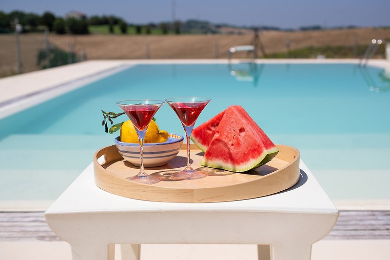 Villa Alessandra - Pool with view over Le Marche countryside
