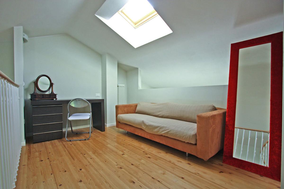 Appartamento giglio appartamento in pesaro affittare - Letto matrimoniale soppalcato ...