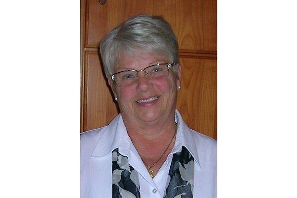 Frau M. Fahrland