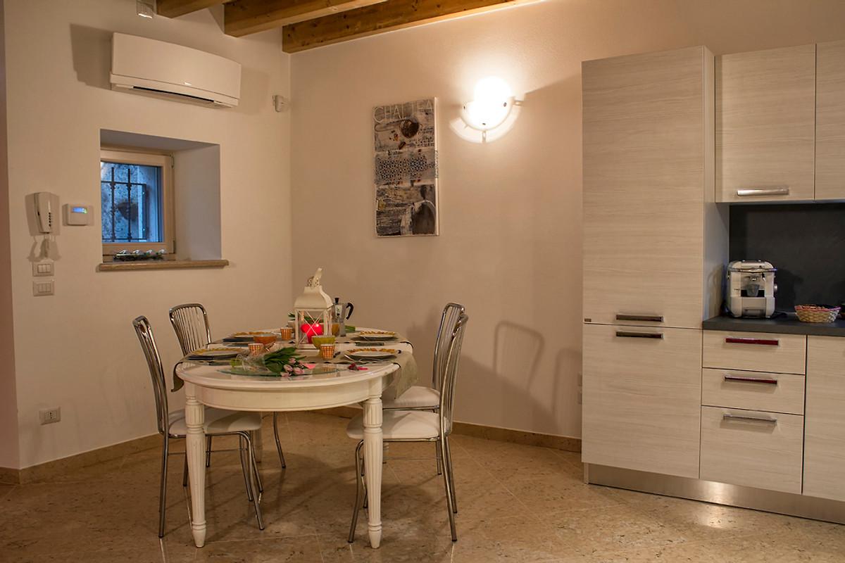 Angolo Cottura Con Muretto : Rustico il muretto pastrengo casa vacanze in pastrengo affittare