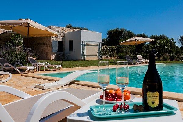 Trullo Bella Vita mit privatem Pool in San Michele Salentino - Bild 1