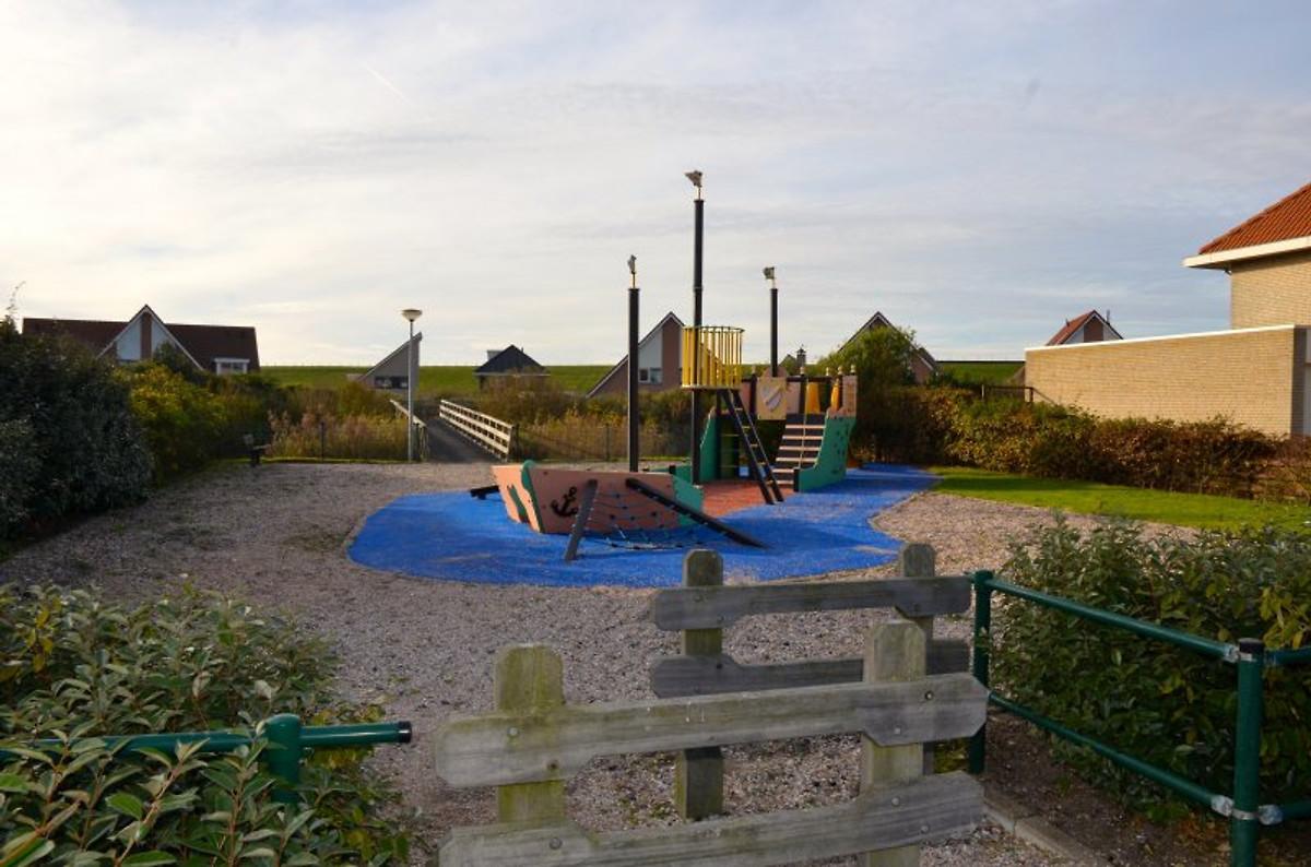 Huis ellen vakantiehuis in petten aan zee huren - Modern huis aan zee ...