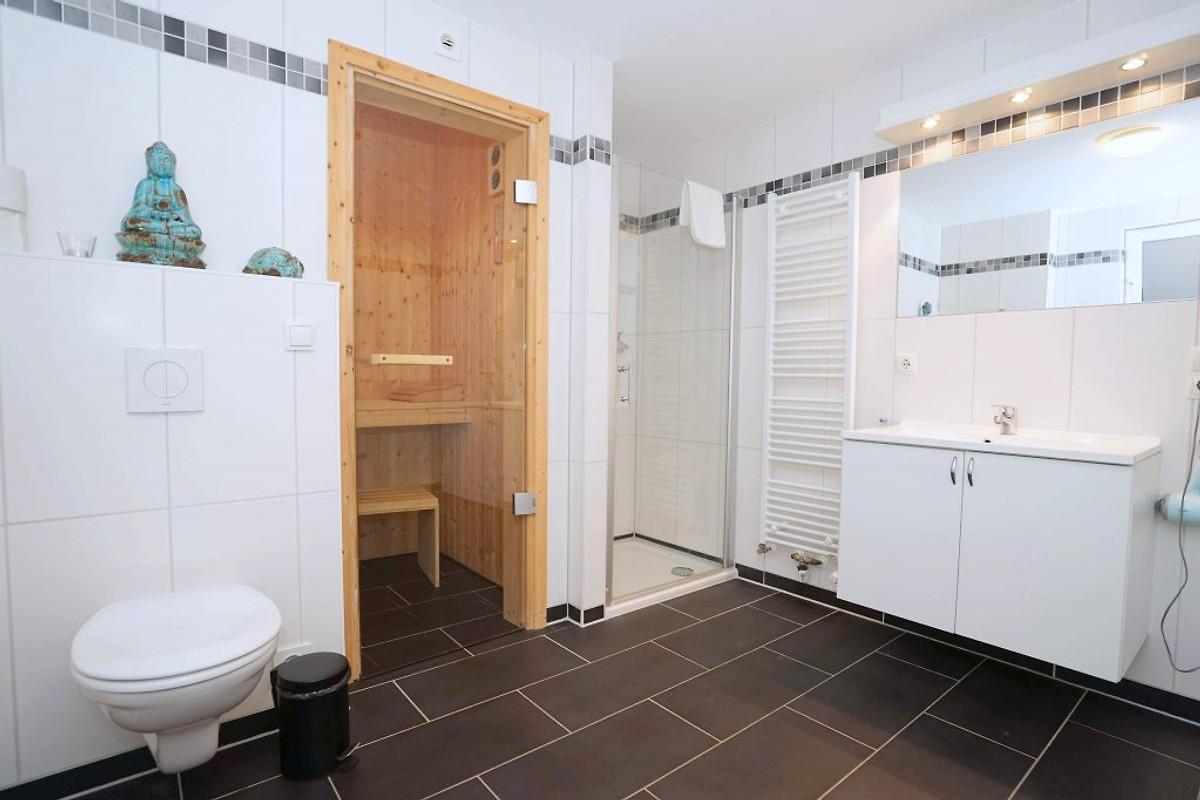 komfortwohnung 2 sz sauna whirlpool ferienwohnung in. Black Bedroom Furniture Sets. Home Design Ideas