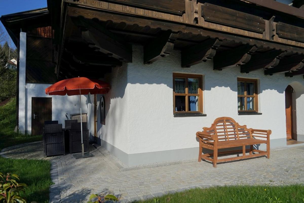 premiumwohnung 8 schwimmbad sauna ferienwohnung in hauzenberg mieten. Black Bedroom Furniture Sets. Home Design Ideas