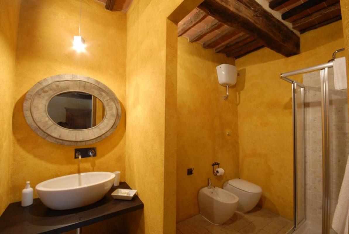 Prywatna willa z basenem 15 os b domek letniskowy w radicondoli Virtual worlds bathroom design