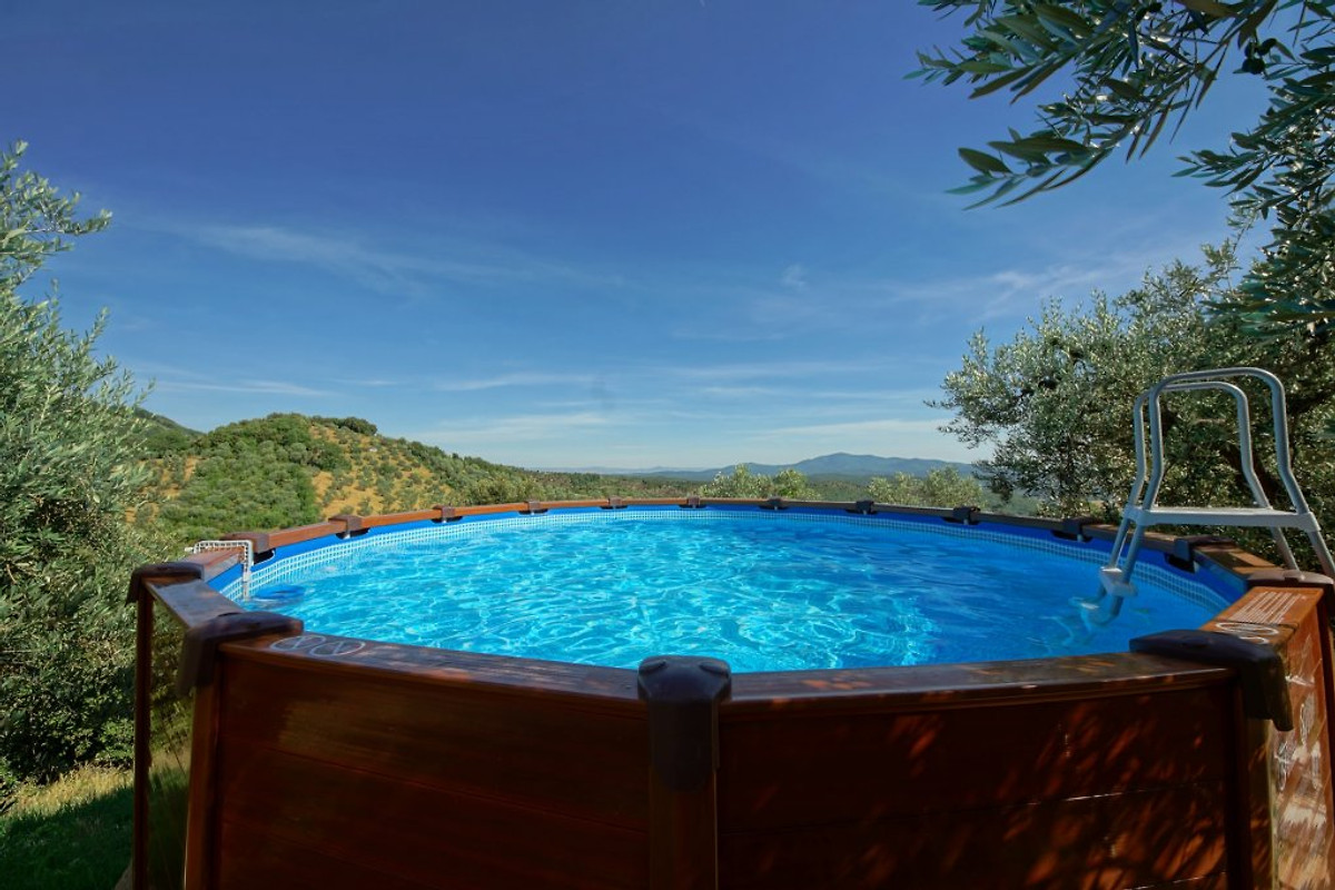 Casa vacanza privata con piscina casa vacanze in for Case vacanza budoni e dintorni