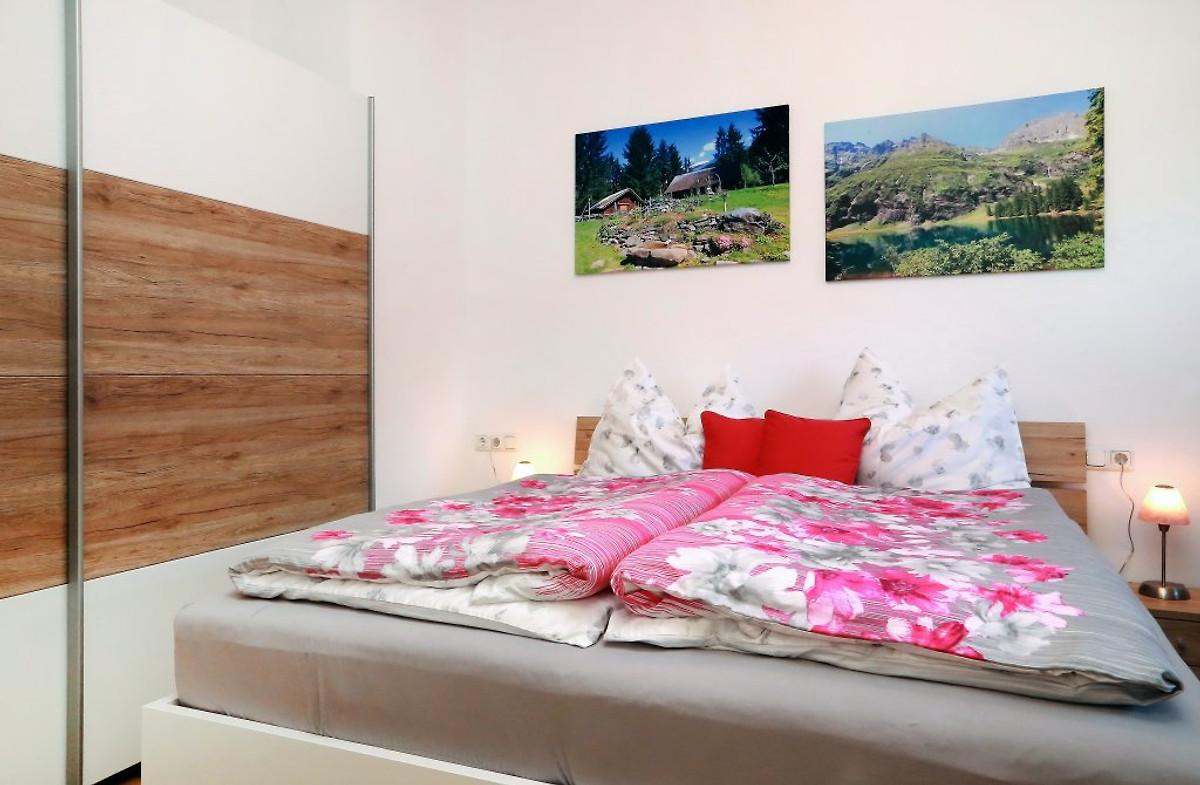 haus h llerer ferienwohnung 2 ferienwohnung in. Black Bedroom Furniture Sets. Home Design Ideas