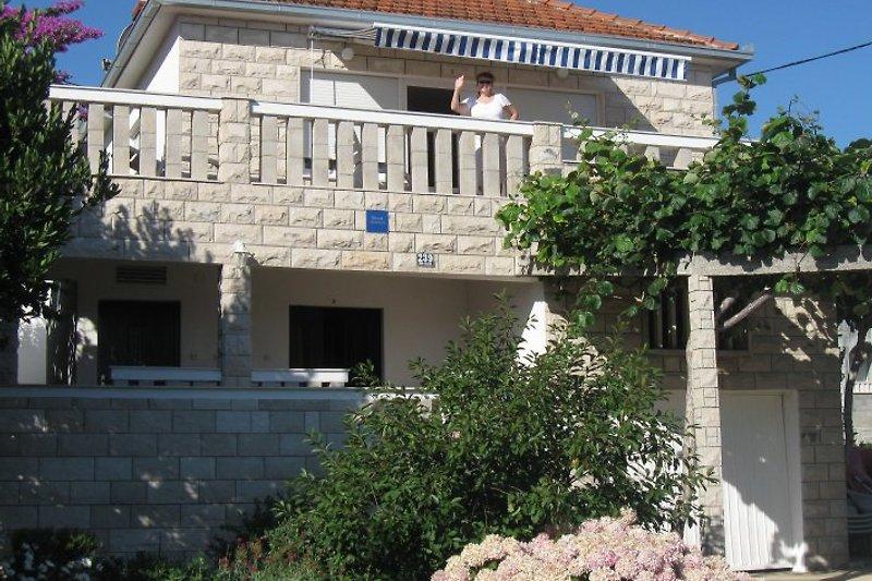 Apartments Jelincic à Arbanija - Image 2