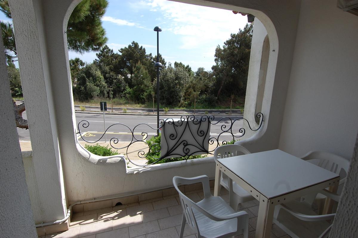wohnung sehr nah am meer ferienhaus in rosolina mare mieten. Black Bedroom Furniture Sets. Home Design Ideas