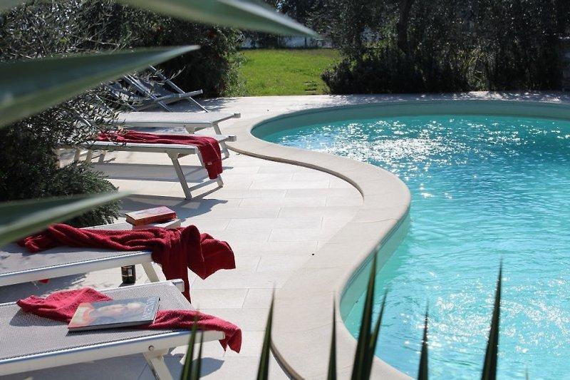 Sonnenbaden und dabei dem leisen Geplätscher des Wassers lauschen.