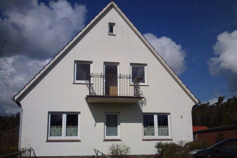 Haus, Ferienwohnung mit Balkon