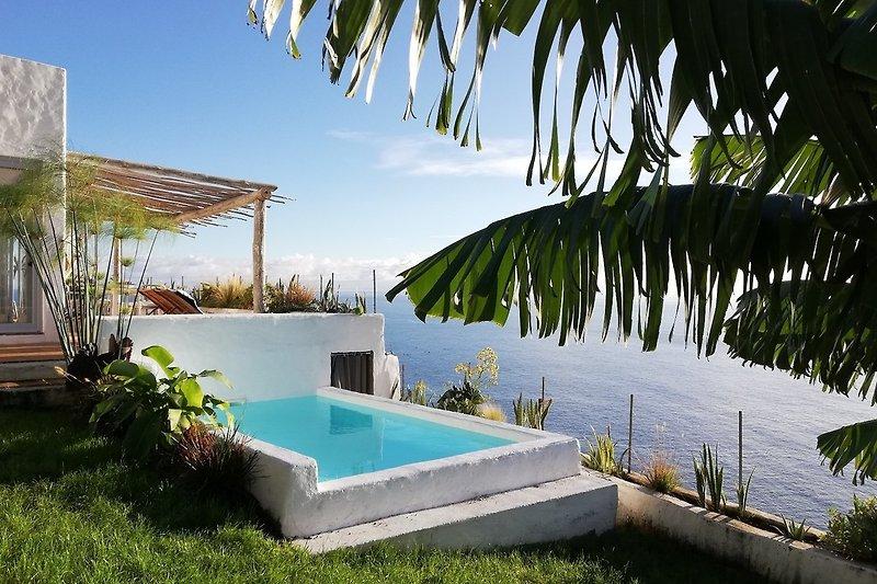 Villa vom Garten