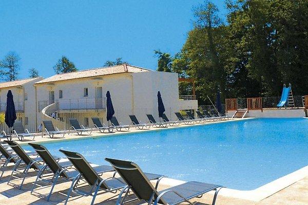 Gemeinsamer Pool 1 der Ferienanlage