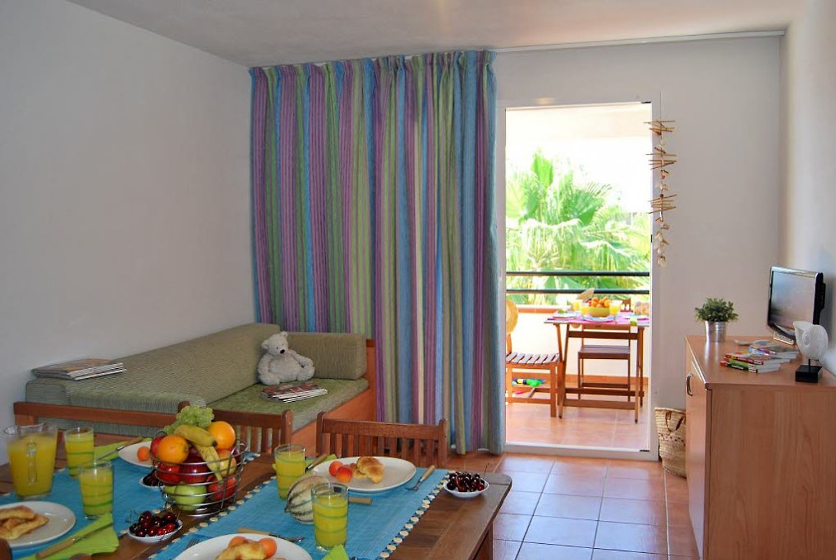 wohnung am meer sognu di rena bu ferienwohnung in moriani plage mieten. Black Bedroom Furniture Sets. Home Design Ideas