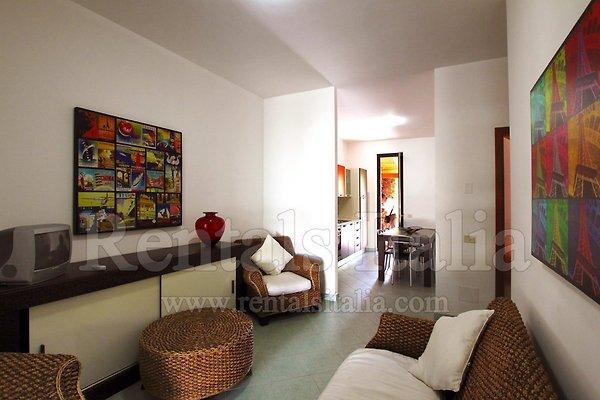 wohnung palme sie machen den preis ferienwohnung in campofelice di roccella mieten. Black Bedroom Furniture Sets. Home Design Ideas