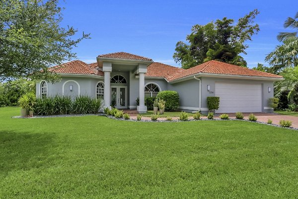 Holiday home in Cape Coral - picture 1