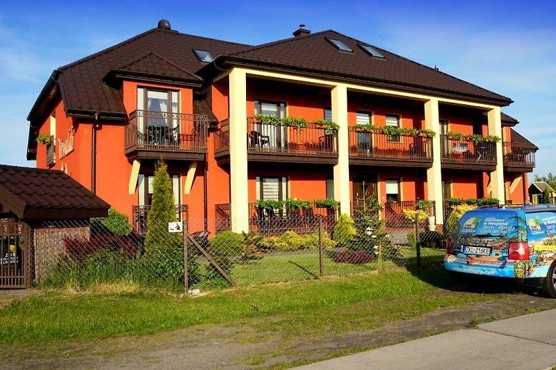 Gästehaus VIVALDI. Zimmer für 2, 3 und 4 Personen. Strand 400m. Grzybowo.