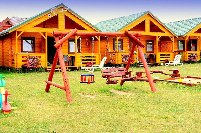 Ferienhäuser SOMMER-STAR-USTRONIE MORSKIE, 4 bis 6 Personen, Strand 800m.