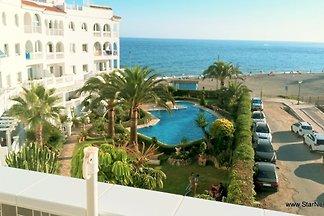 Attraktive Wohnungen mit Meerblick in einer Residenz Stella Maris direkt am Strand mit einem tropischen Garten und einem Swimmingpool. 4 Wohnungen zur Verfügung.