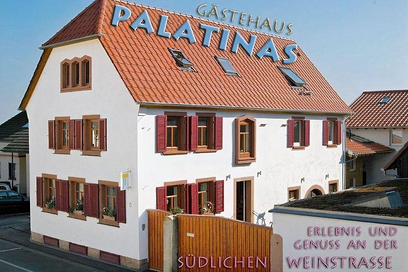 Gästehaus PALATINAS
