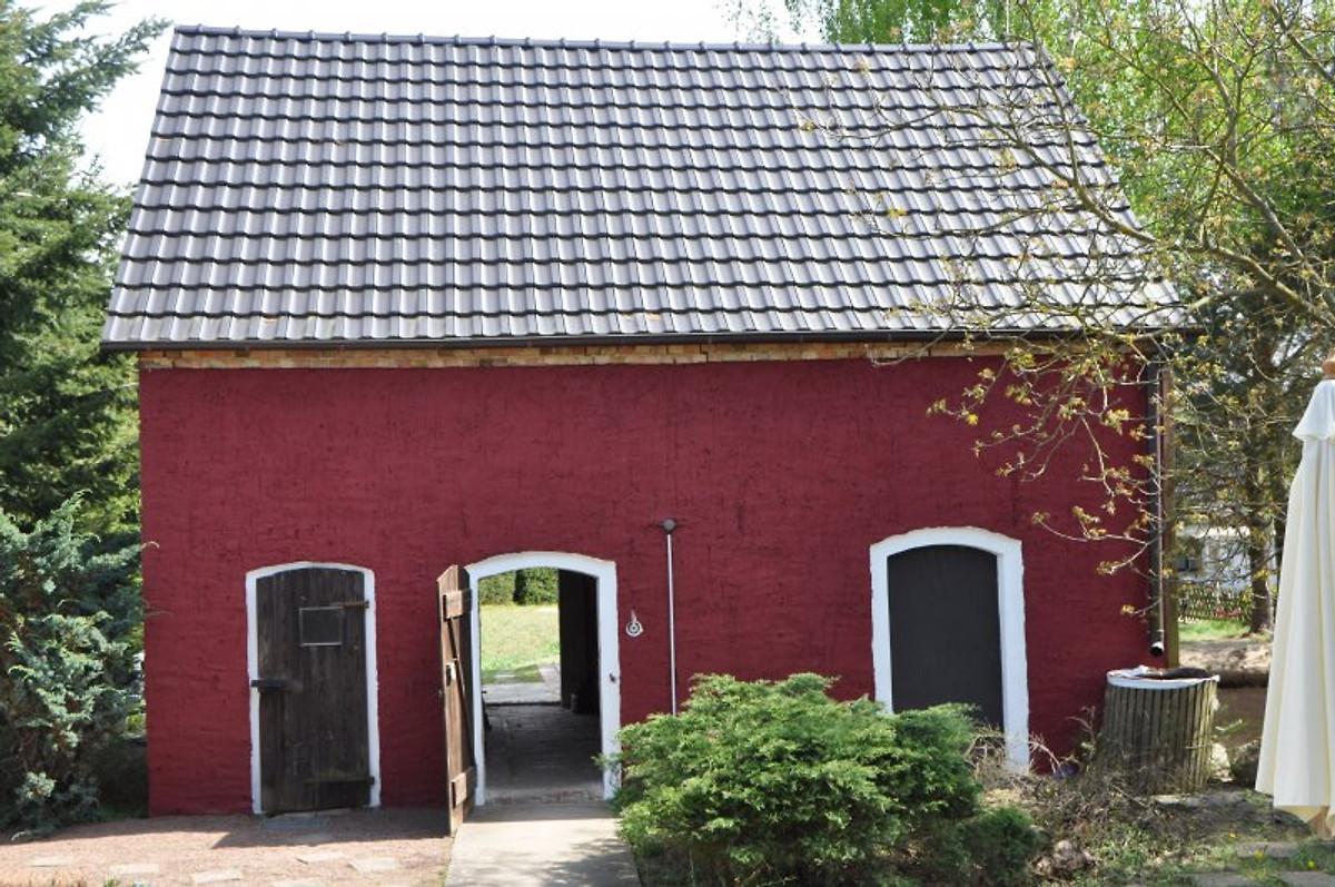 Klinkerhaus mit gro em garten ferienhaus in wiesenburg for Klinkerhaus modern