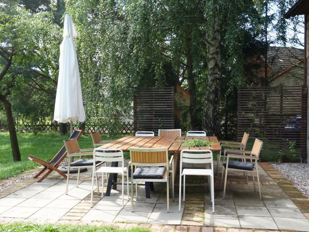 klinkerhaus mit gro em garten ferienhaus in wiesenburg. Black Bedroom Furniture Sets. Home Design Ideas