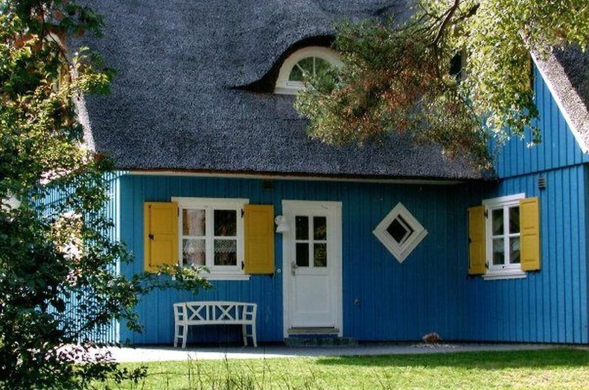 Reetdachhaus krebs dar ostsee ferienhaus in born mieten for Kleines haus mieten
