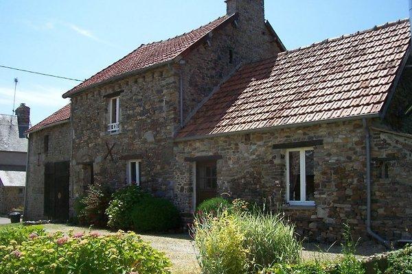 Maison Biemont 16-ta Jahrhd. w Montgardon - zdjęcie 1