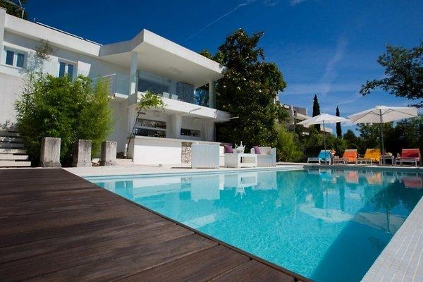 Villa luxus ferienhaus in matulji for Ville stile moderno