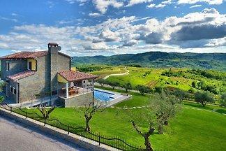 Villa Olivia - Haloistra.com