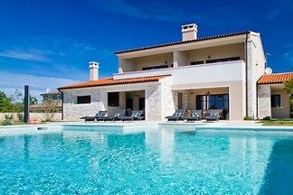 Villa Vesna - Haloistra.com
