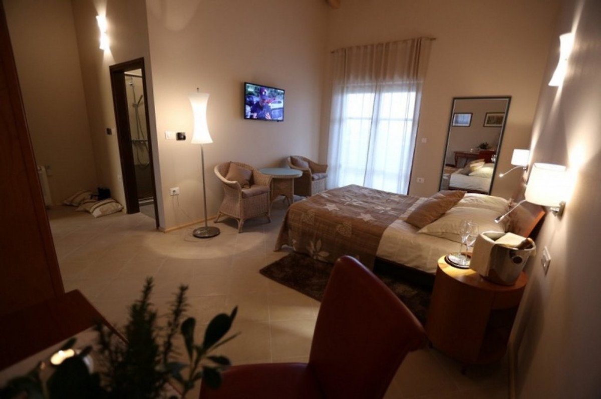 Villa vesna casa vacanze in svetvincenat for Stima sulla costruzione di una casa con 3 camere da letto