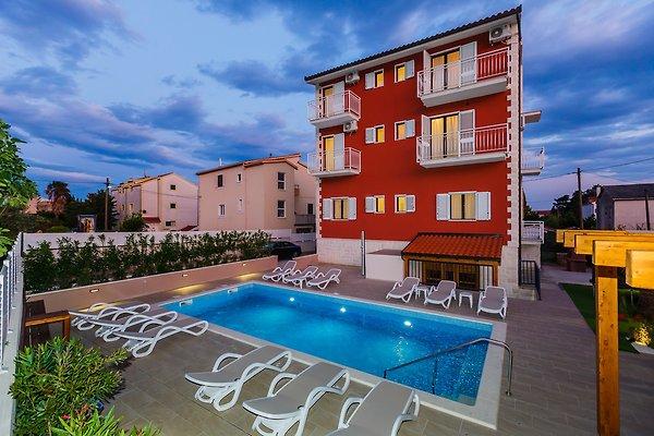 ST23 Villa Rouge à Kastel Luksic - Image 1