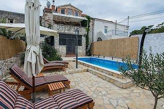 Ferienhaus Zola mit Pool