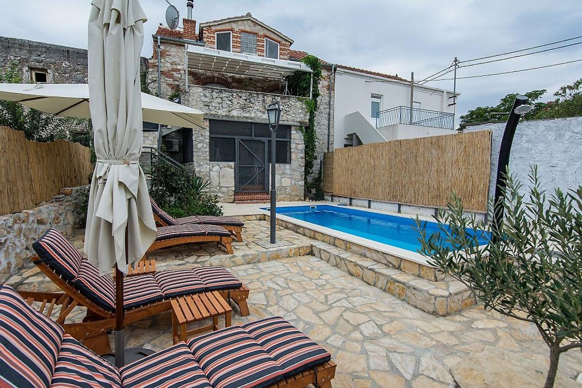 Casa vacanza con piscina zola casa vacanze in kraj affittare - Casa vacanza con piscina ...