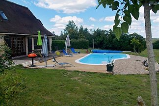 Well appointed rural gite:2 double bedrooms(ensuite) +2 single beds.