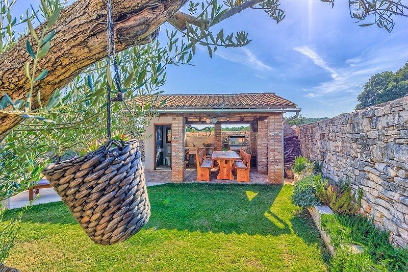 Gartenhaus mit Grill und WC