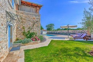 House Sunny Hills