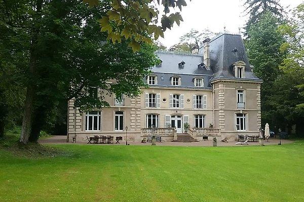 Chateau de la Raffe in Meuse - picture 1