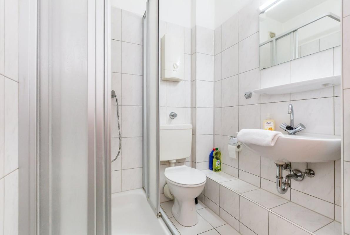 ferienwohnungen d sseldorf ferienwohnung in d sseldorf mieten. Black Bedroom Furniture Sets. Home Design Ideas