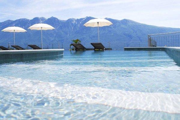 La Dolce Vita Relais Pool mit Aussicht
