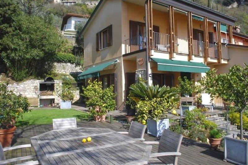 Villa Außenansicht