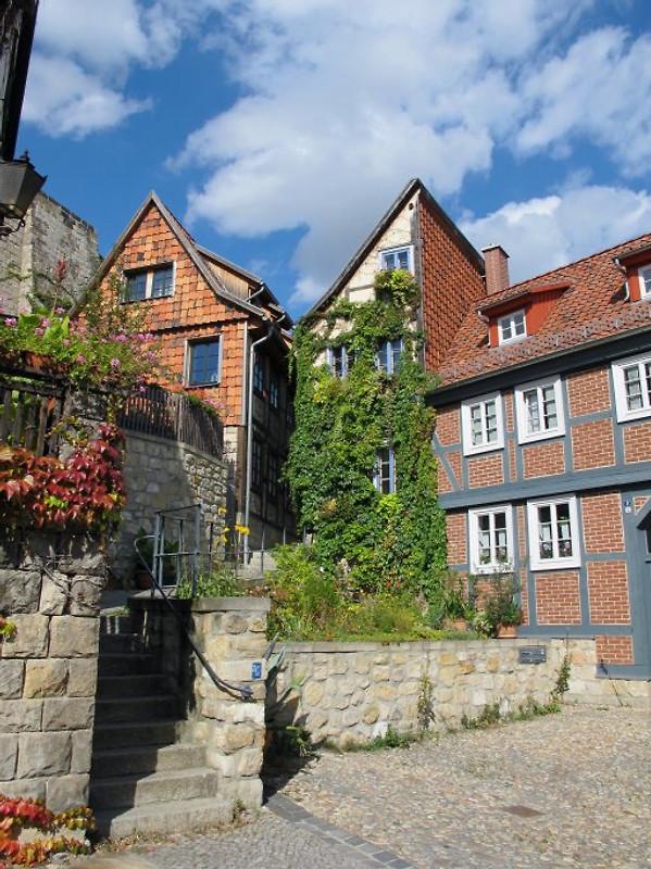 halbes haus das fachwerkhaus ferienhaus in quedlinburg mieten. Black Bedroom Furniture Sets. Home Design Ideas