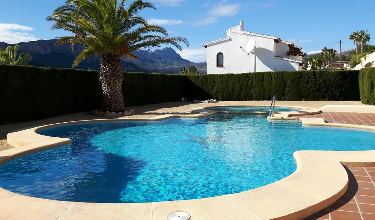 Ferienhaus costa blanca calpe in calpe frau a konopatzki for Schwimmbad aussen