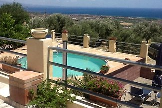 Villa u. Appartment,Pool, Meerblick