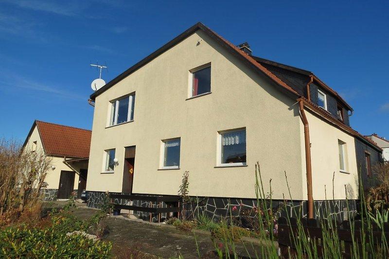 Ferienhaus Artur mit Einfahrt und 2er Carport